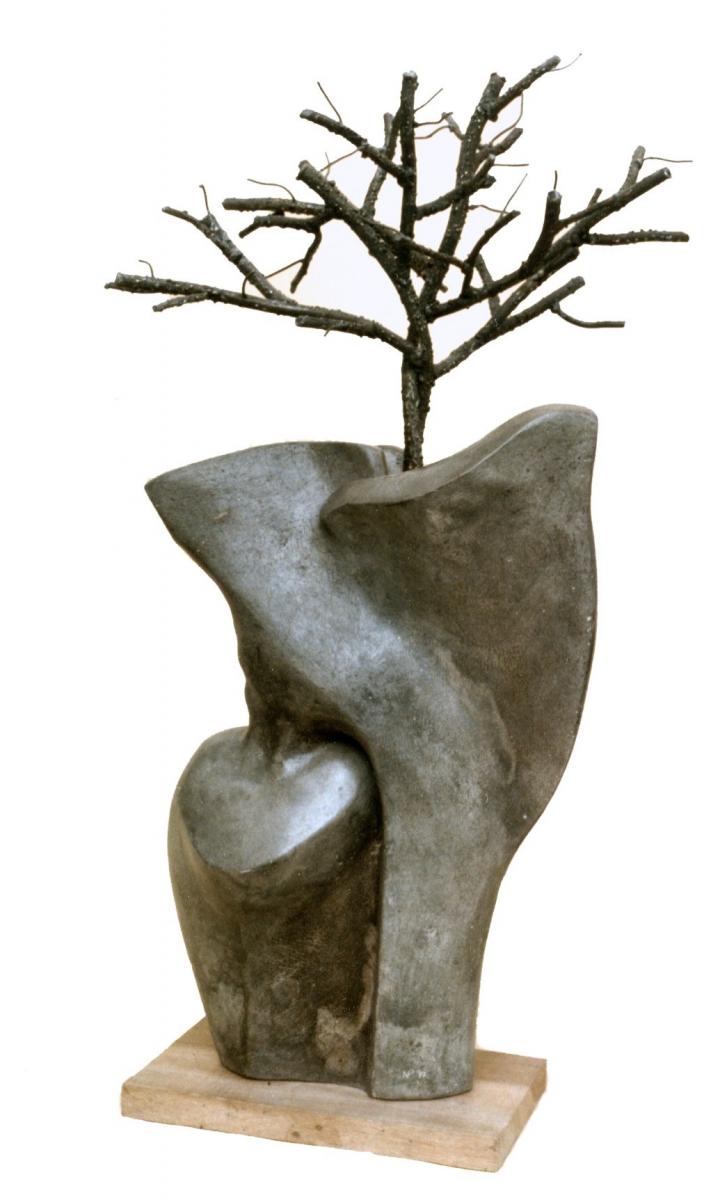 SPIRITI INNAMORATI- cemento e ferro-cm 85x38x38-b-1997