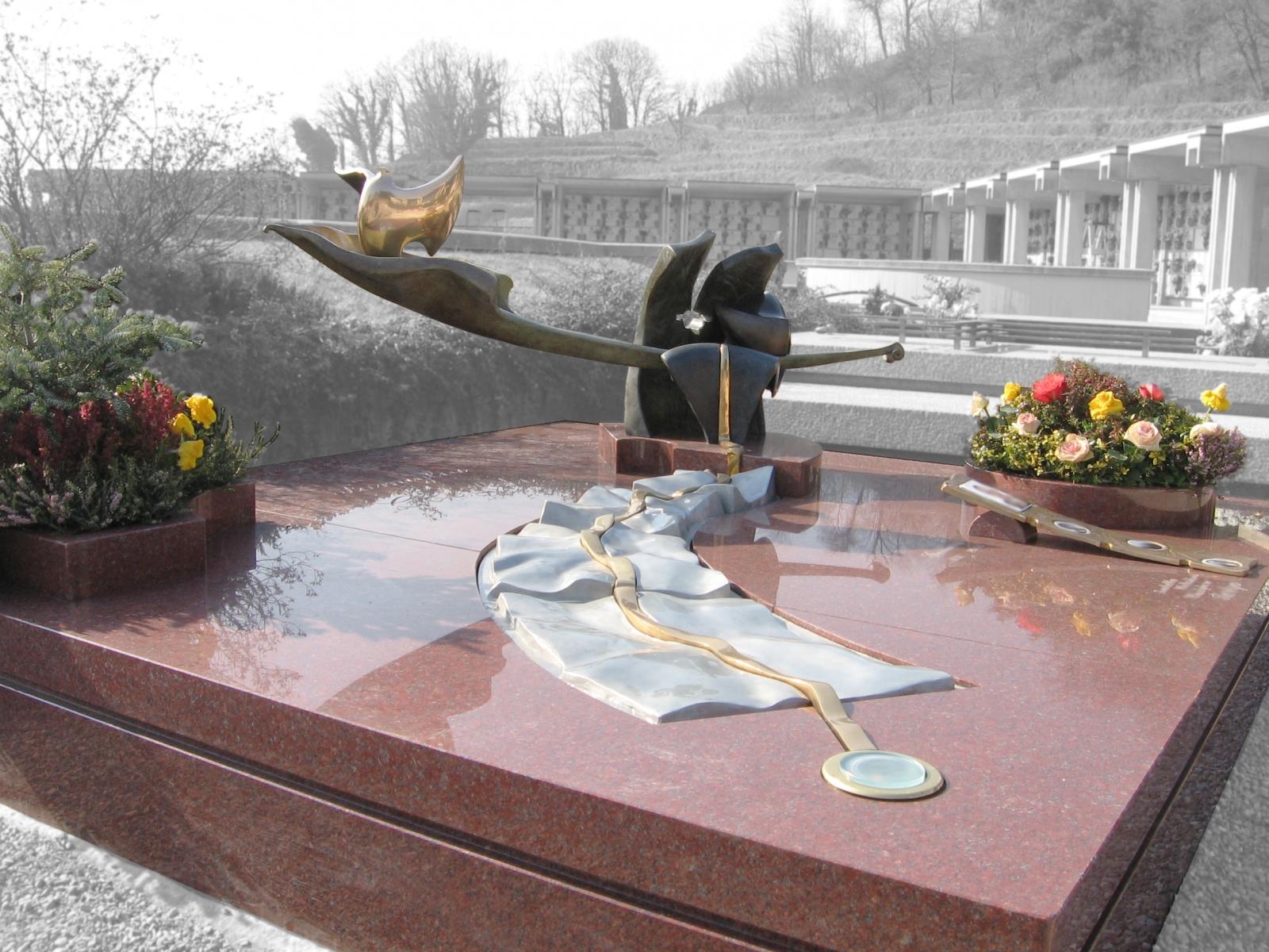 Cisano  Bergamasco -tomba di famiglia 2005 c